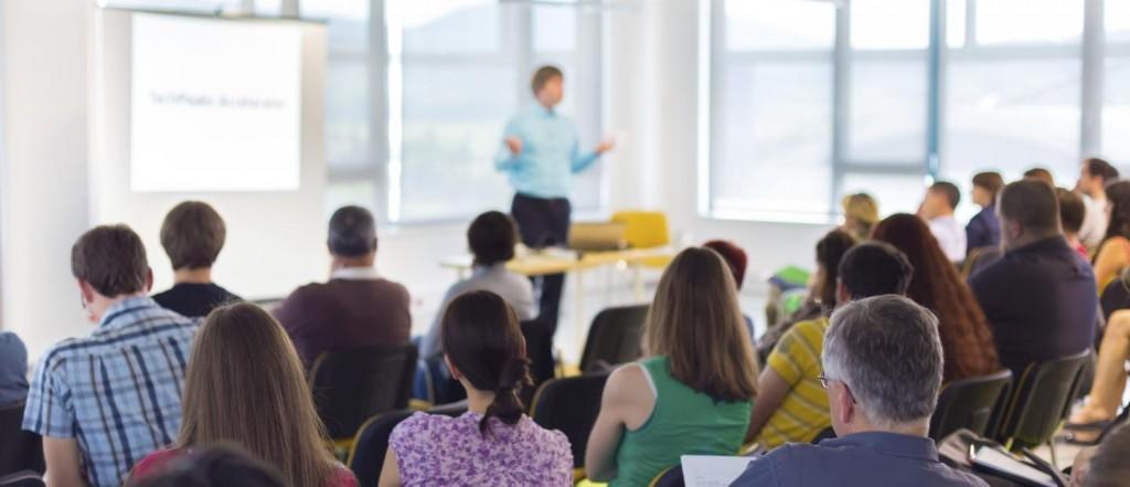 Training-uri aplicative pentru companii